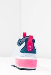 Nike Sportswear - AIR MAX DIA - Baskets basses - half blue/summit white/blue force/hyper pink - 7