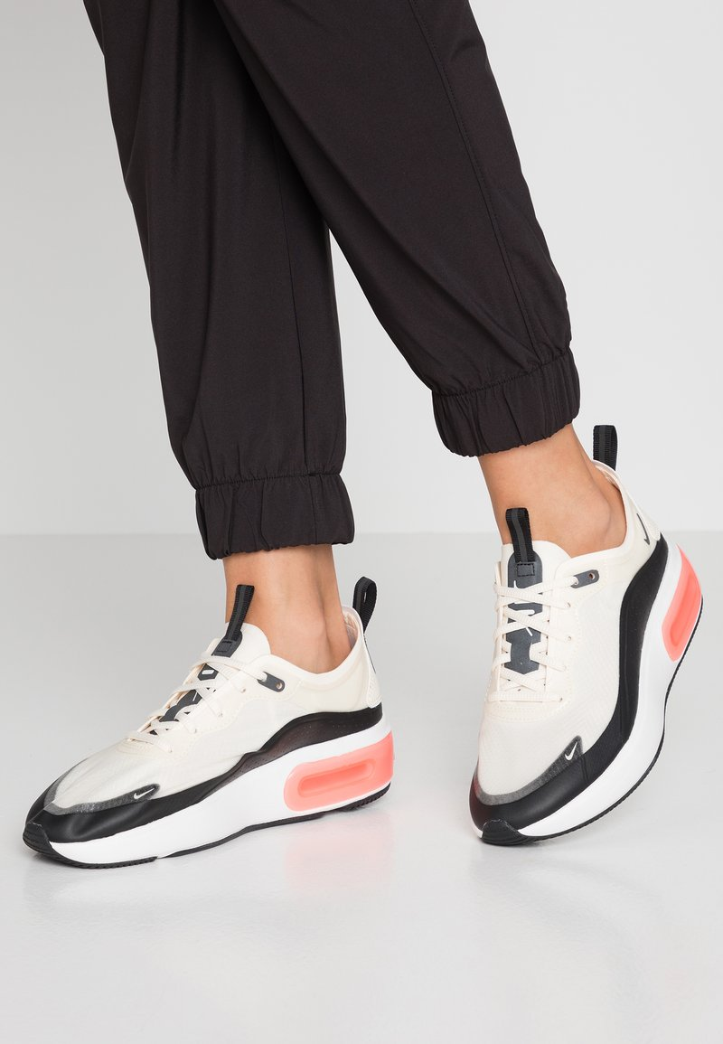 Nike Sportswear - AIR MAX DIA SE - Trainers - pale ivory/black/summit white