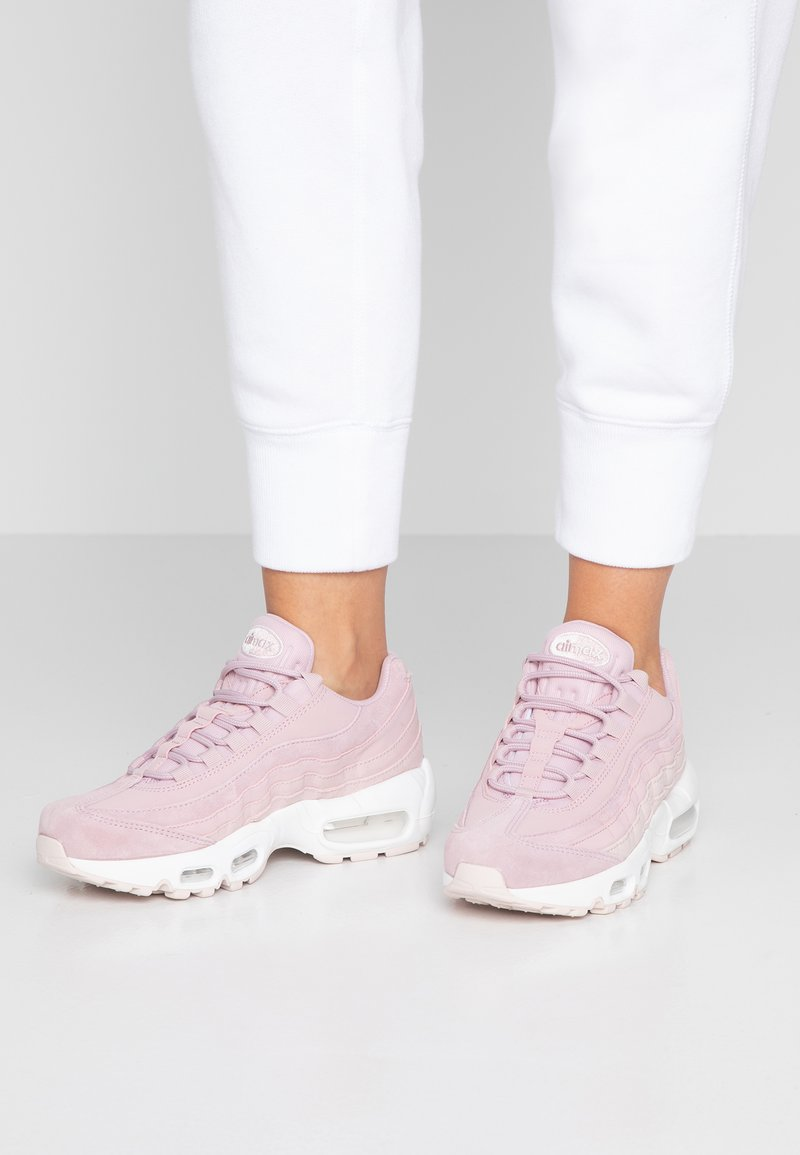 Nike Sportswear - AIR MAX 95 PRM - Trainers - plum chalk/barely rose/summit white/light cream