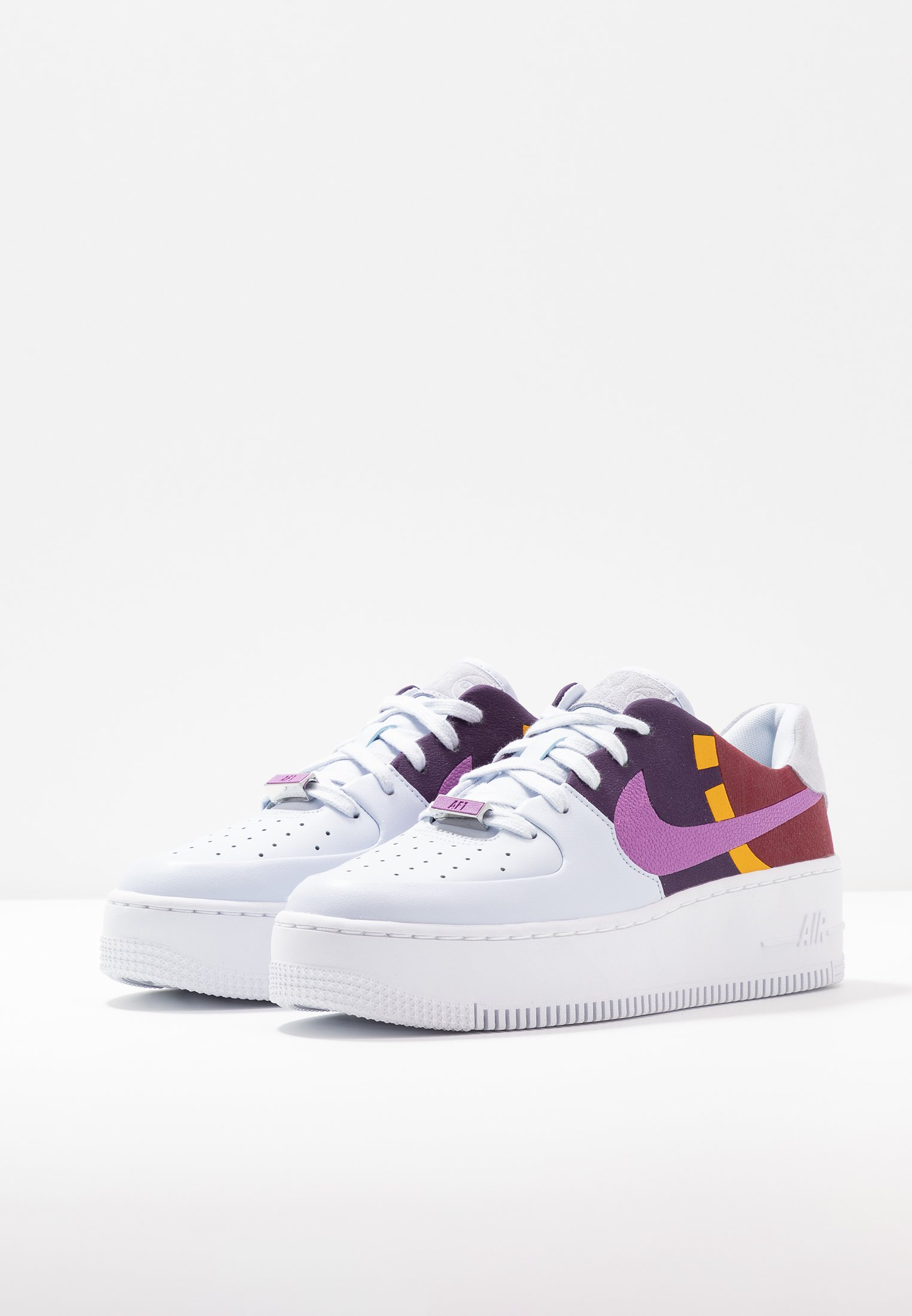 Nike Sportswear AIR FORCE 1 SAGE - Sneakersy niskie - football grey/hyper violet/team red/dark sulfur/grand purple/metallic silver