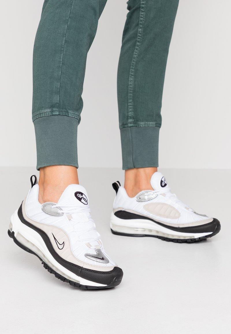 Nike Sportswear - AIR MAX 98 - Sneaker low - white/metallic silver/desert sand/black