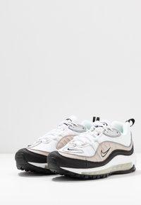 Nike Sportswear - AIR MAX 98 - Sneaker low - white/metallic silver/desert sand/black - 4