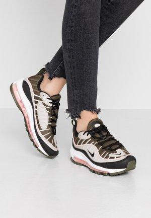AIR MAX 98 - Sneakers - cargo khaki/black/desert sand/bleached coral