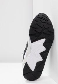 Nike Sportswear - DELFINE - Sneaker low - white/black - 6