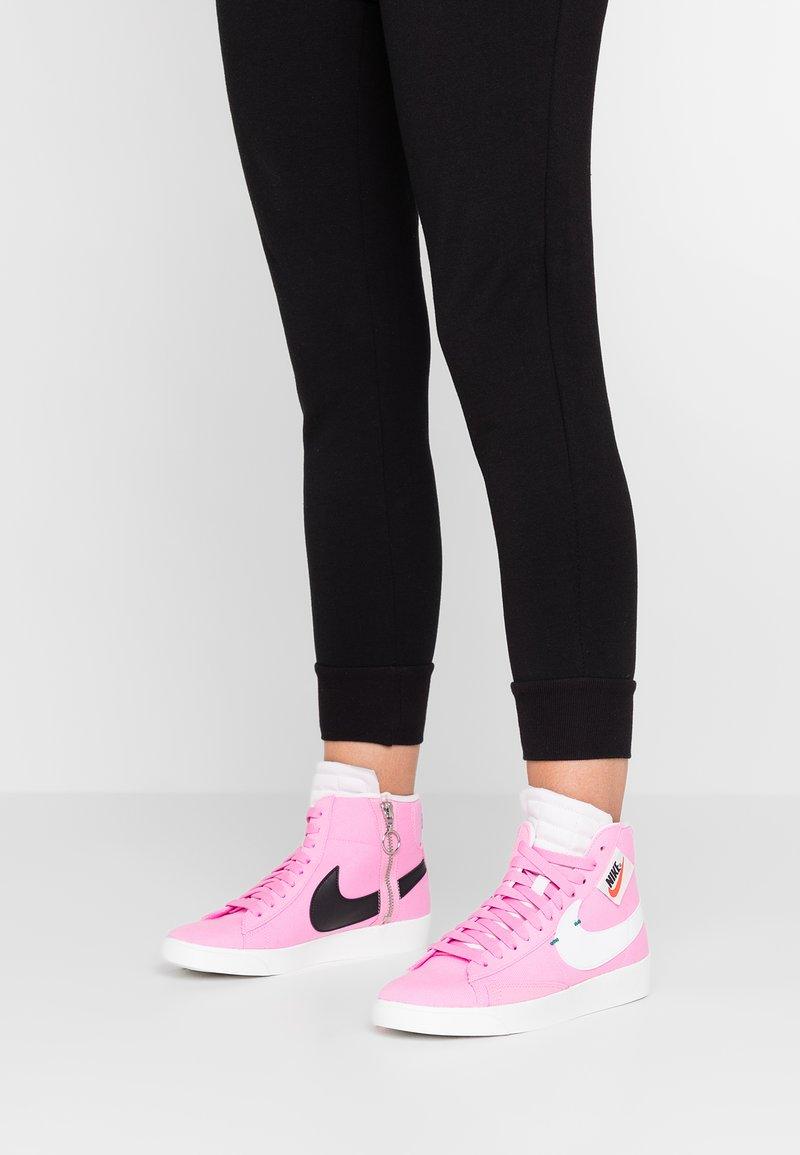 Nike Sportswear - BLAZER MID REBEL - Baskets montantes - psychic pink/summit white/pale pink/mystic green