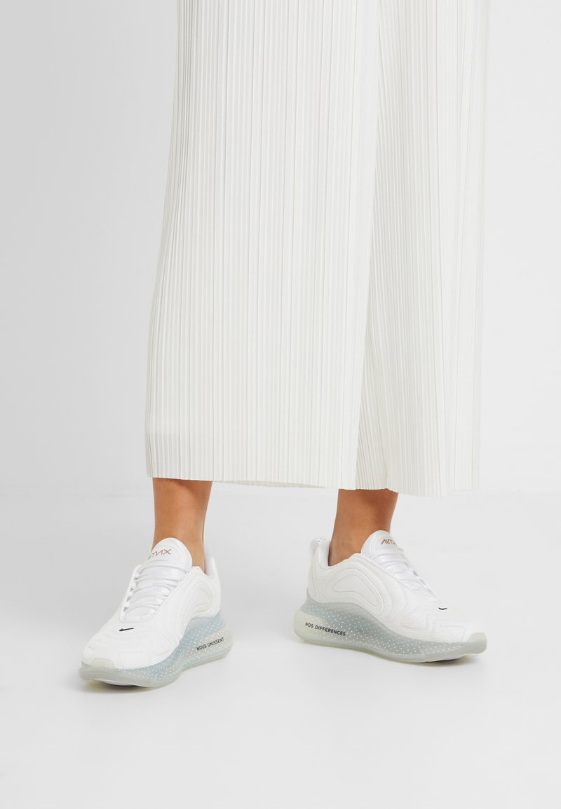 Nike Sportswear - AIR MAX 720 - Trainers - white/midnight navy/metallic red bronze/pure platinum