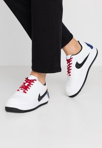 Nike Sportswear - AF1 JESTER XX - Sneaker low - white/black/laser orange - 0