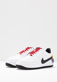Nike Sportswear - AF1 JESTER XX - Sneaker low - white/black/laser orange - 4