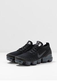 Nike Sportswear - AIR VAPORMAX FLYKNIT - Trainers - black/anthracite/white/metallic silver - 4