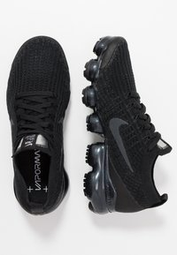 Nike Sportswear - AIR VAPORMAX FLYKNIT - Sneaker low - black/anthracite/white/metallic silver - 3