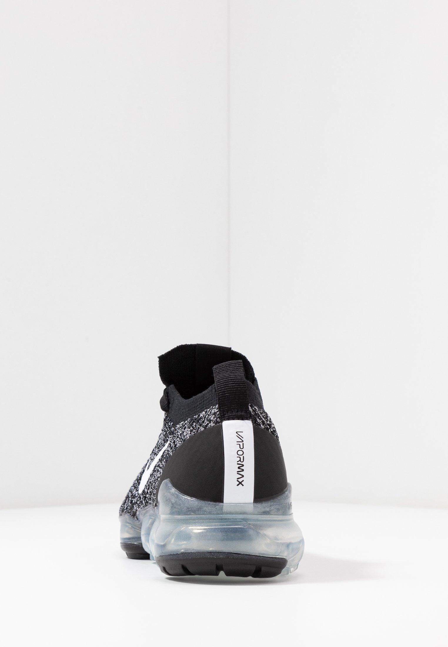 Nike Sportswear AIR VAPORMAX FLYKNIT - Baskets basses - black/white/metallic silver
