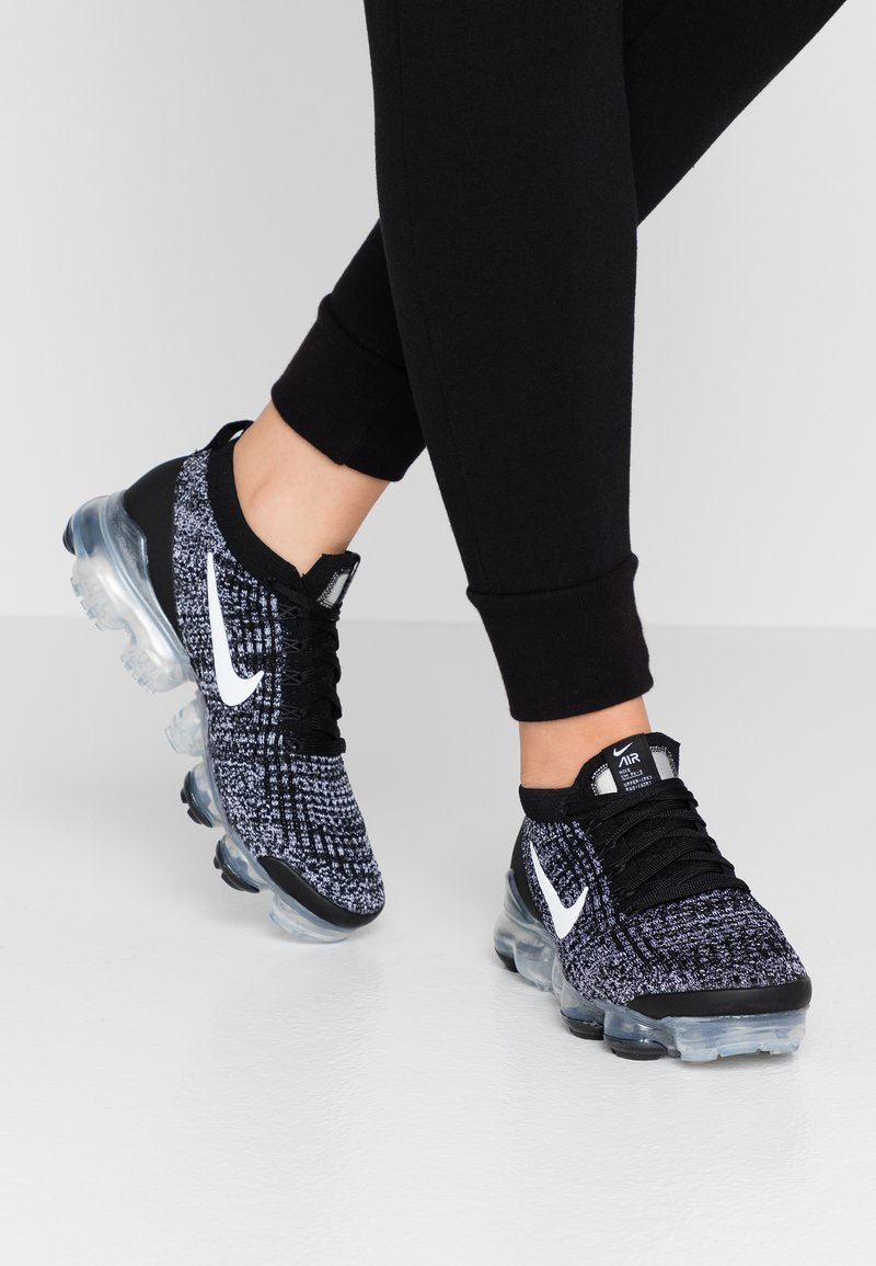 Nike Sportswear - AIR VAPORMAX FLYKNIT - Joggesko - black/white/metallic silver