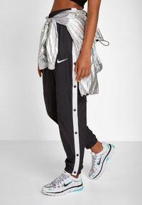 Nike Sportswear - P-6000 - Sneakers - white/black/metallic silver/light aqua - 0