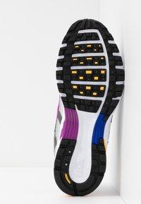 Nike Sportswear - P-6000 - Sneakers - grey fog/white/iron grey - 6
