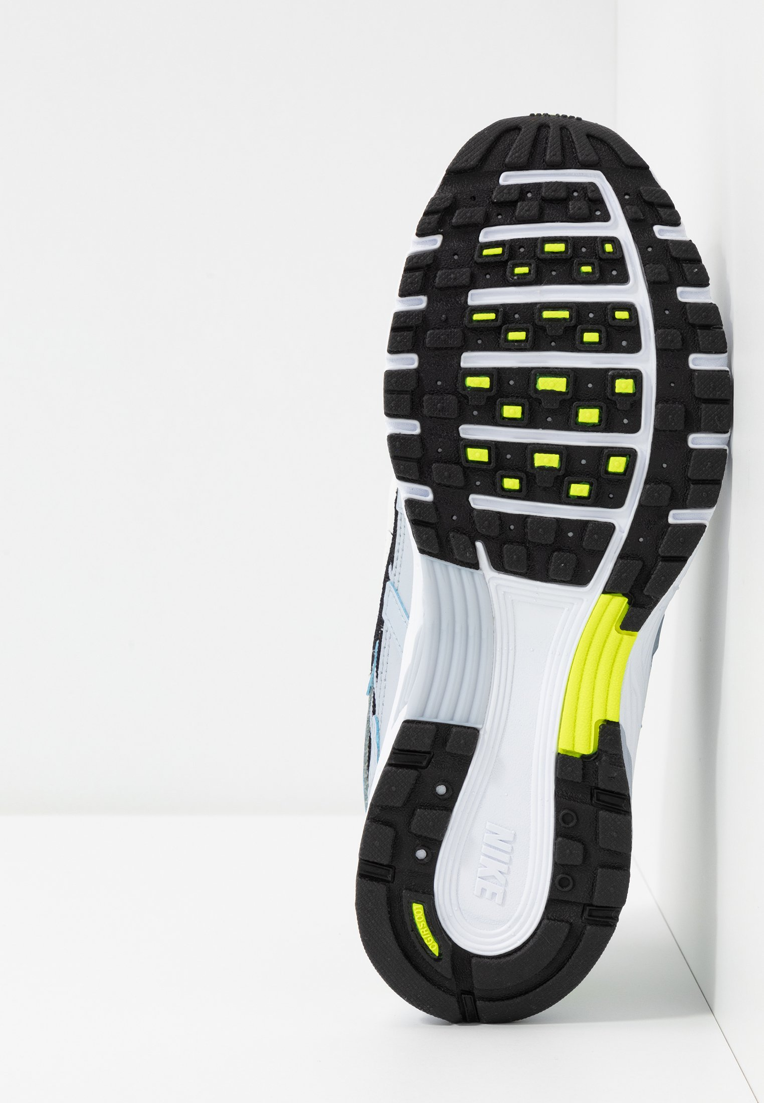 Nike Sportswear P-6000 - Sneakersy niskie - sky grey/white/lemon