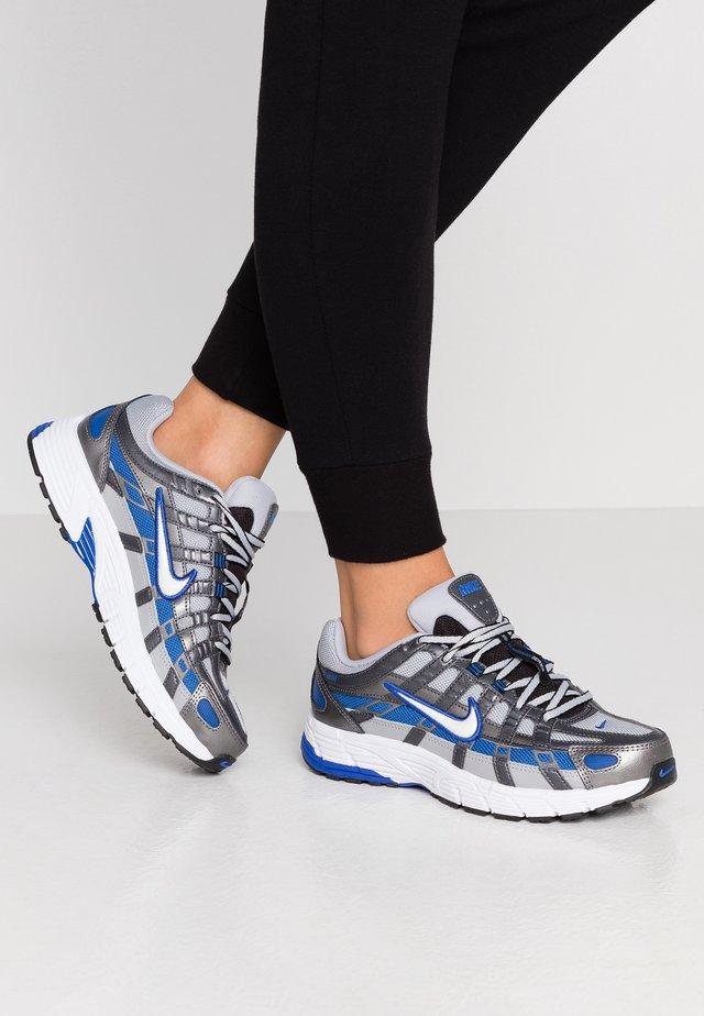 P-6000 - Sneakers - wolf grey/white/game royal/metallic dark grey/black