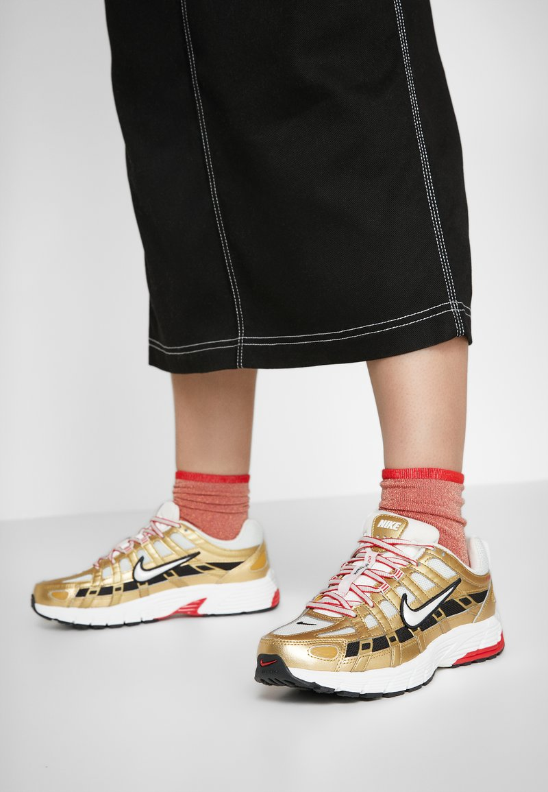 Nike Sportswear - P-6000 - Trainers - light bone/summit white/metallic gold/university red/black