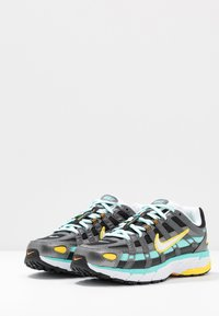 Nike Sportswear - P-6000 - Zapatillas - black/white/aurora green/amber rise/metallic dark grey/chrome yellow - 4