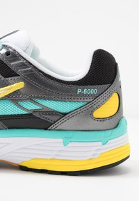 Nike Sportswear - P-6000 - Zapatillas - black/white/aurora green/amber rise/metallic dark grey/chrome yellow - 2