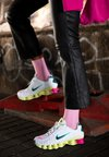 Nike Sportswear - SHOX - Trainers - white/black/luminous green/ violet/pink blast/aurora green