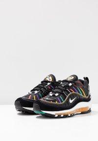 Nike Sportswear - AIR MAX 98 PRM - Tenisky - black/flash crimson/kinetic green/psychic purple/universe gold/white - 4