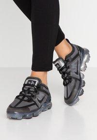 Nike Sportswear - AIR VAPORMAX 2019 - Sneakersy niskie - black - 0