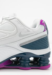 Nike Sportswear - SHOX ENIGMA 9000 - Matalavartiset tennarit - photon dust/reflect silver/valerian blue - 2