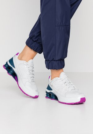 SHOX ENIGMA 9000 - Trainers - photon dust/reflect silver/valerian blue