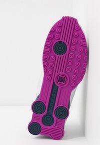 Nike Sportswear - SHOX ENIGMA 9000 - Matalavartiset tennarit - photon dust/reflect silver/valerian blue - 6