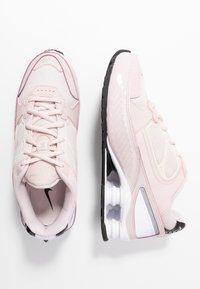 Nike Sportswear - SHOX ENIGMA 9000 - Sneaker low - barely rose/reflect silver/black - 3