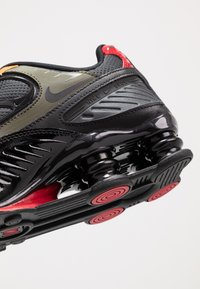 Nike Sportswear - SHOX ENIGMA 9000 - Trainers - black/anthracite/cargo khaki/gym red/bright ceramic/mystic green - 2