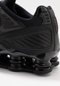 Nike Sportswear - SHOX ENIGMA 9000 - Trainers - black/gym red - 2