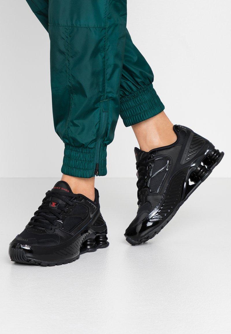 Nike Sportswear - SHOX ENIGMA 9000 - Trainers - black/gym red