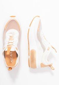 Nike Sportswear - AIR MAX DIA LX - Joggesko - summit white/copper moon - 1