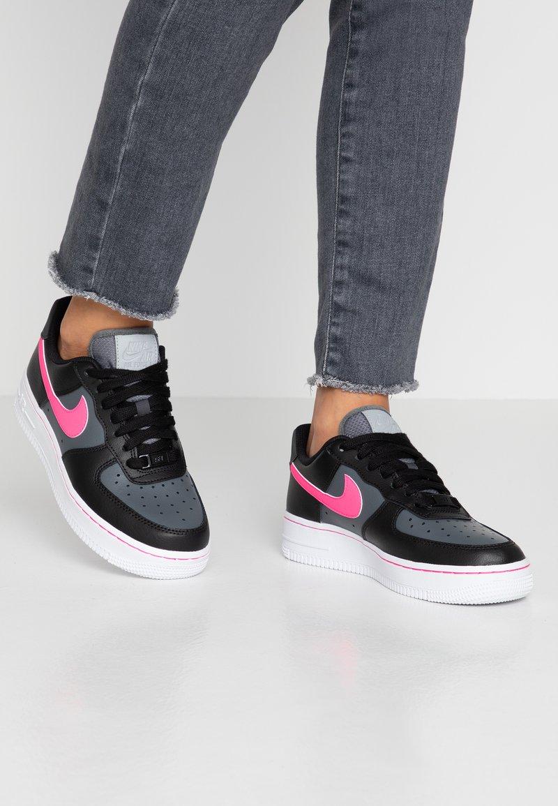 Nike Sportswear - AIR FORCE 1 - Sneaker low - black/pink blast/dark grey/white