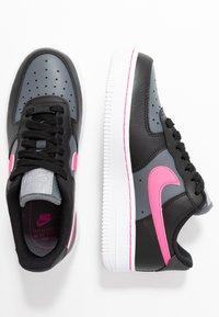 Nike Sportswear - AIR FORCE 1 - Sneakers laag - black/pink blast/dark grey/white - 3