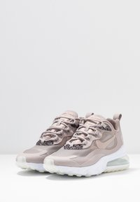 Nike Sportswear - AIR 270 REACT SE - Joggesko - pumice/white - 6