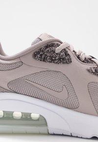 Nike Sportswear - AIR MAX 200 SE - Sneakers - pumice/white - 2