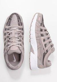 Nike Sportswear - P-6000 SE - Sneakers - pumice/white - 3
