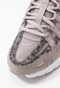 Nike Sportswear - P-6000 SE - Sneakers - pumice/white - 2