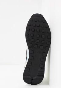 Nike Sportswear - INTERNATIONALIST - Baskets basses - grey fog/black/lemon/summit white - 6
