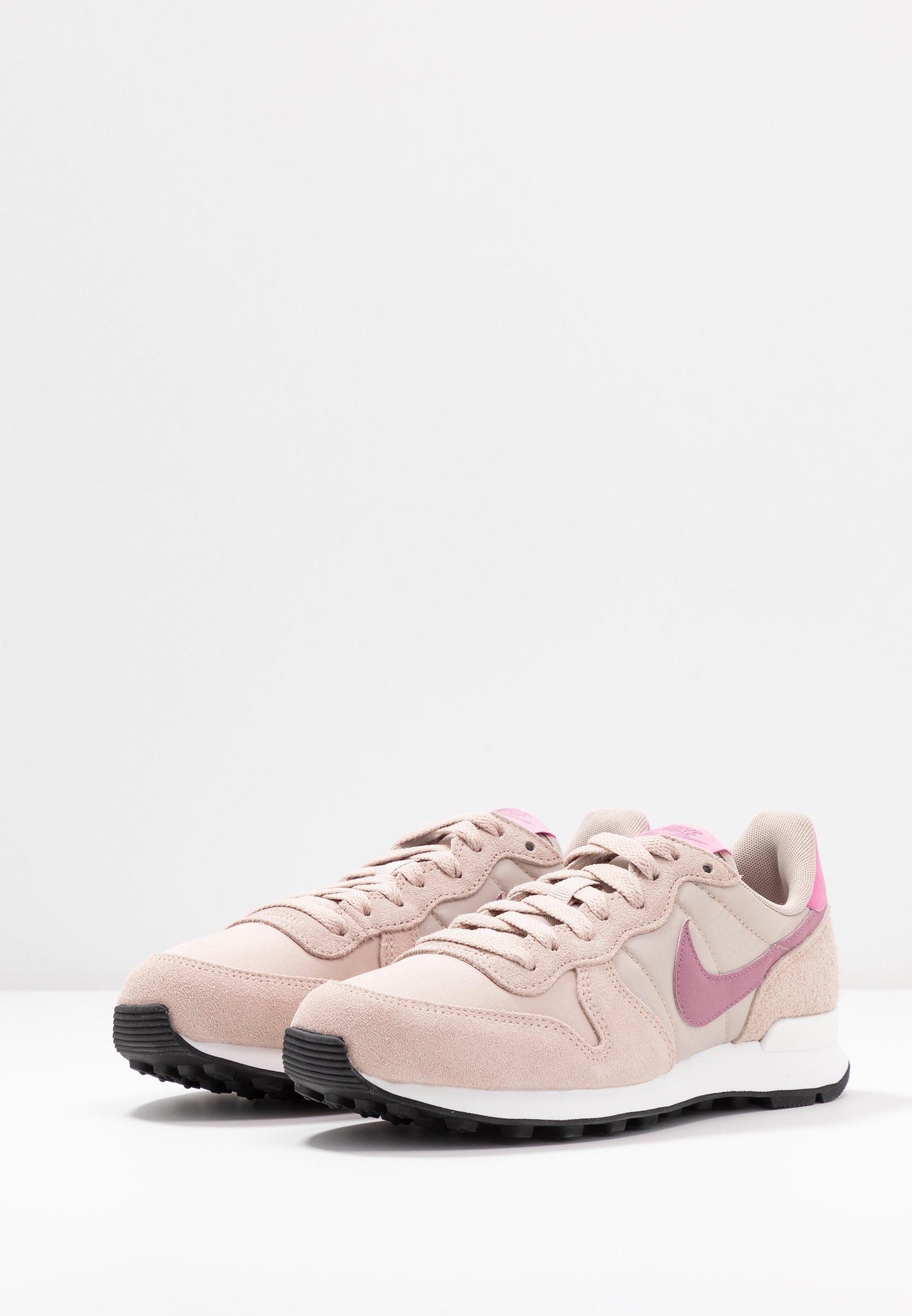 nike internationalist rose,achat vente chaussures baskets