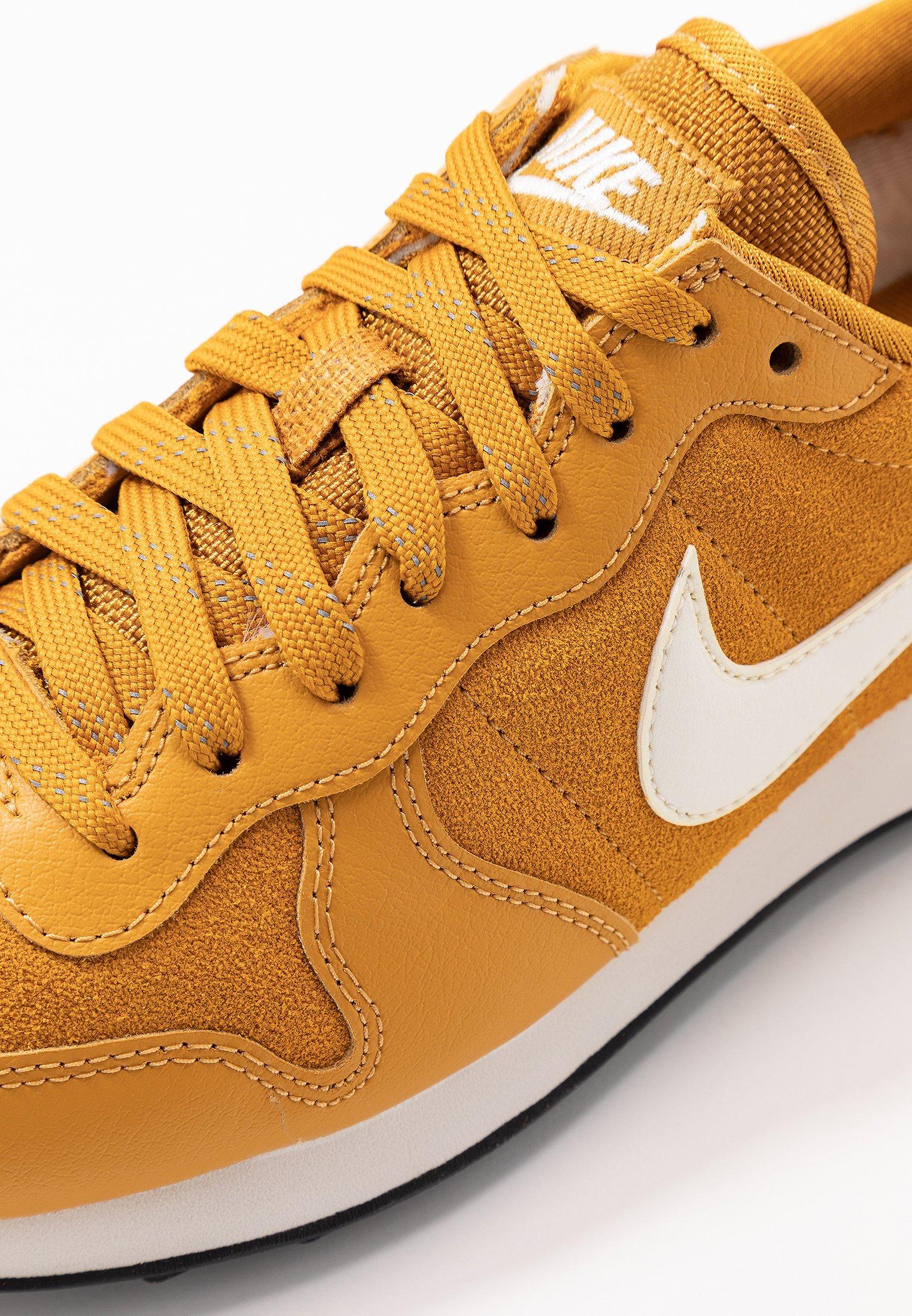 Nike Sportswear Internationalist - Sneaker Low Gold/phantom Black Friday