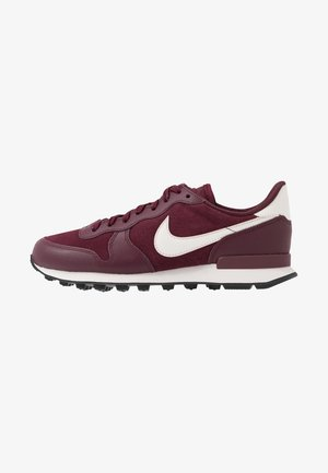 INTERNATIONALIST - Baskets basses - night maroon/phantom/black