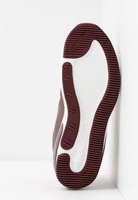 Nike Sportswear - AIR MAX DIA - Zapatillas - plum eclipse/black/night maroon/summit white - 6