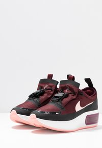 Nike Sportswear - AIR MAX DIA - Sneakers laag - night maroon/bleached coral/black/summit white - 4