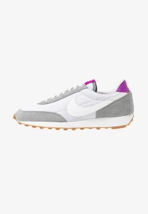 DAYBREAK - Sneakers laag - particle grey/summit white/vast grey/vivid purple/laser orange/medium brown