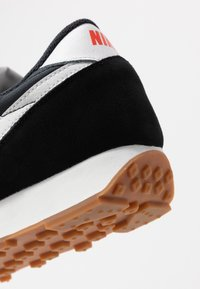 Nike Sportswear - DAYBREAK - Trainers - black/summit white/off noir/brown/team orange - 5