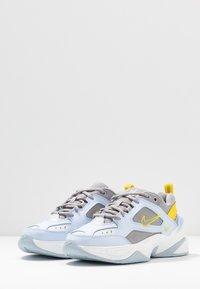 Nike Sportswear - M2K - Sneakers laag - half blue/atmosphere grey/chrome yellow/summit white - 4