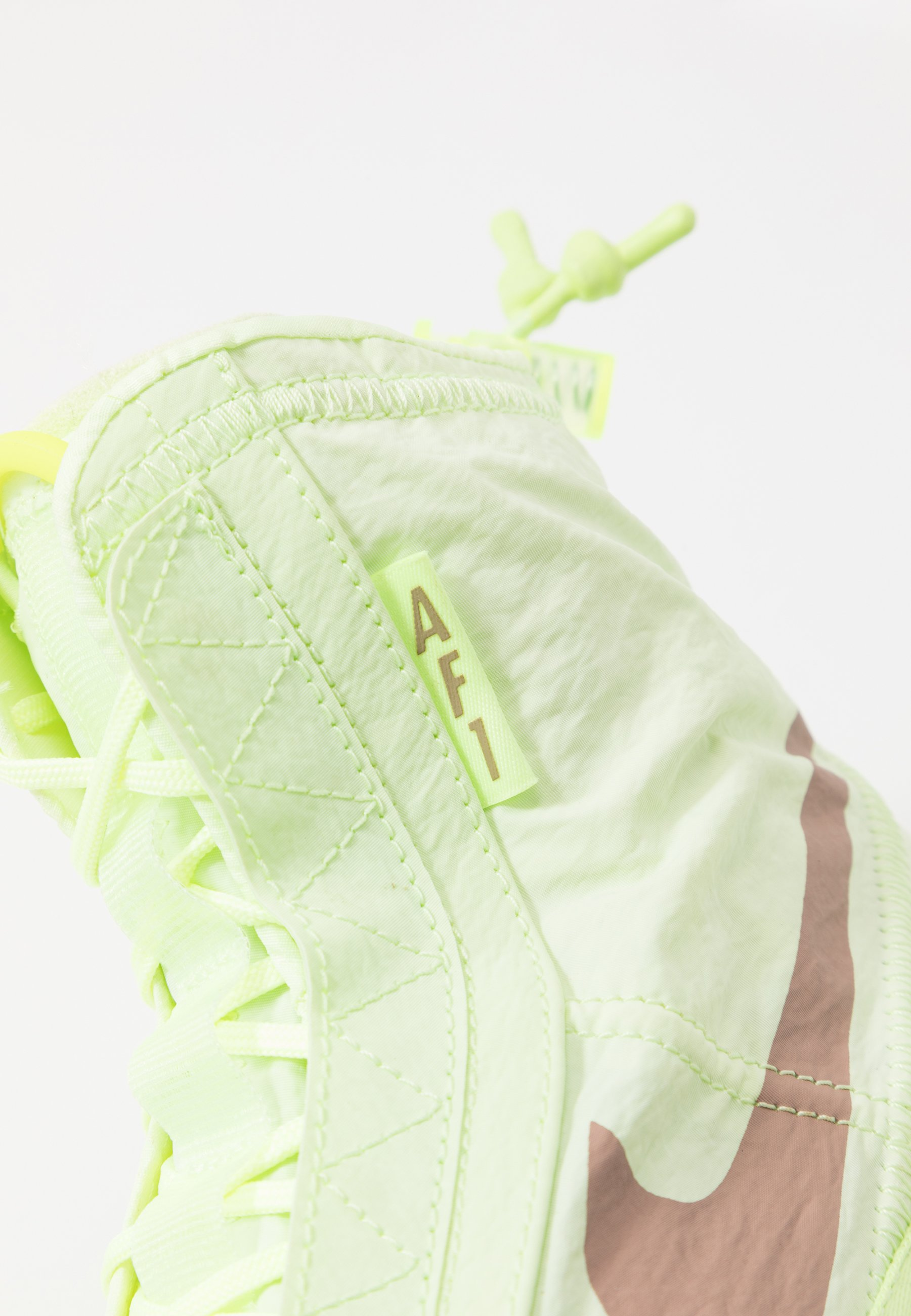 Nike Sportswear AIR FORCE 1 - Sneakersy wysokie - barely volt/desert dust/barely volt